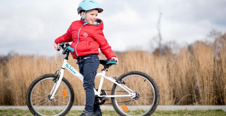 دوچرخه سواری کودکان در بهار 1400